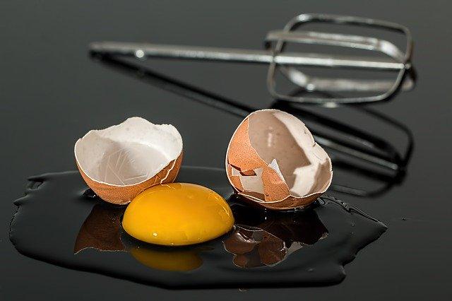 賞味期限切れの生卵